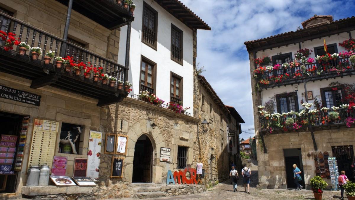Edificios característicos de Santillana del Mar, en Asturias.