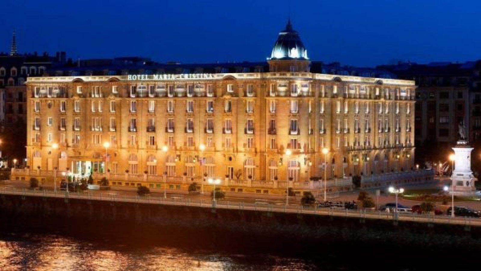 Exteriores de este histórico y lujoso hotel.
