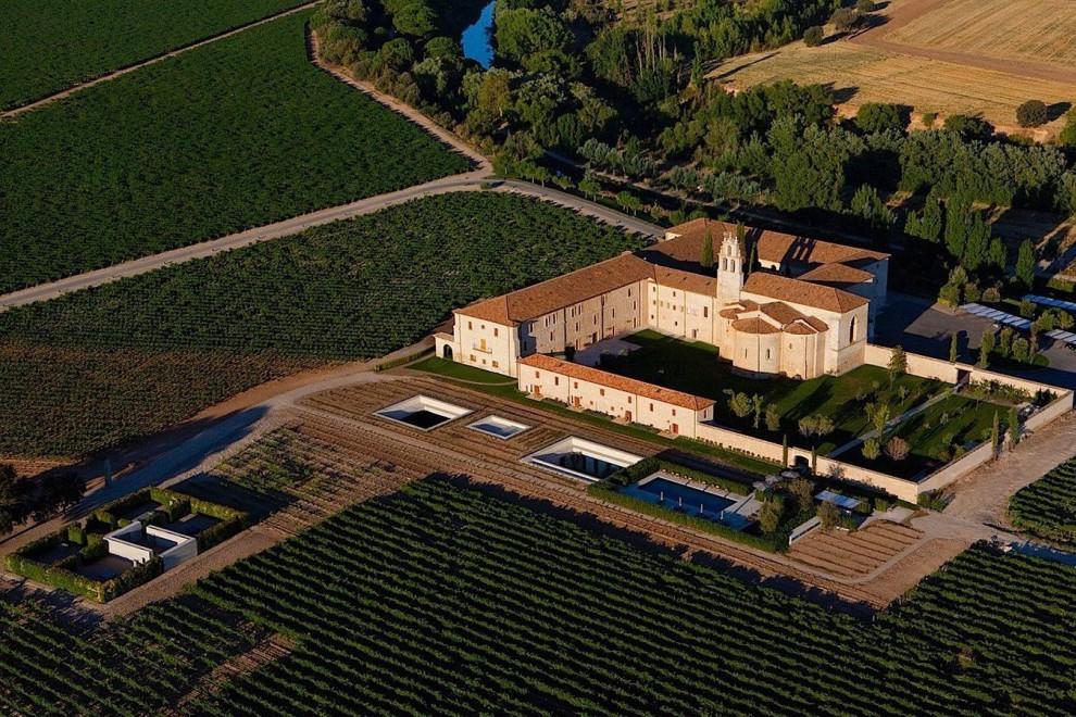 Vistas aéreas del terreno que ocupa este elegante alojamiento.