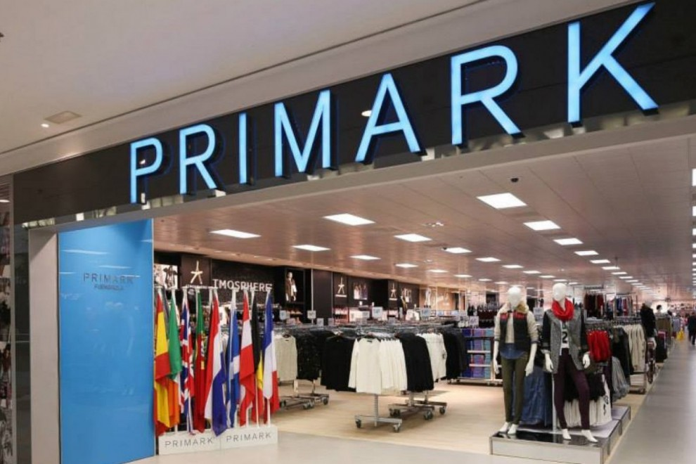 Primark lanza al mercado los primeros diseños de ropa interior roja para el Fin de Año 2017