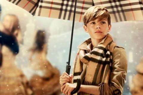 Una de las fotografiaras de la campaña de Burberry