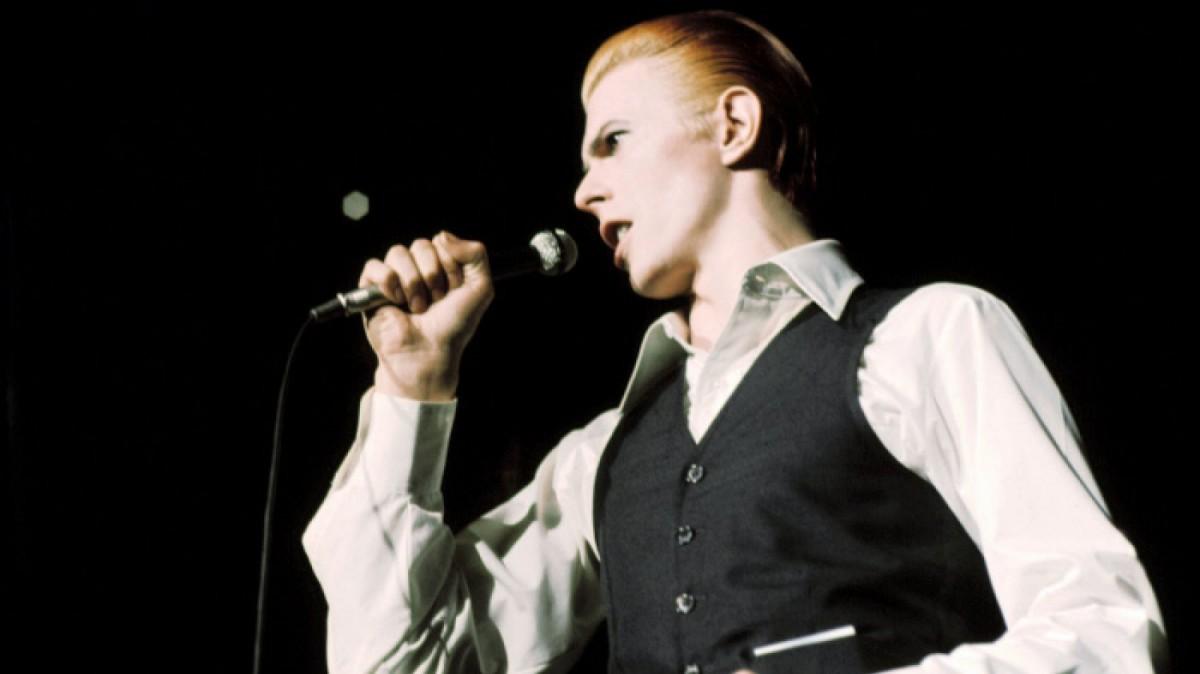 El cantante siempre se ha caracterizado por su androginia.