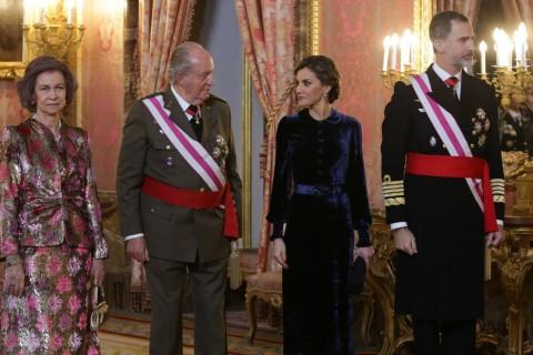 El rey Felipe y la reina Letizia junto a los reyes eméritos Juan Carlos y Sofía en la Pascua Militar