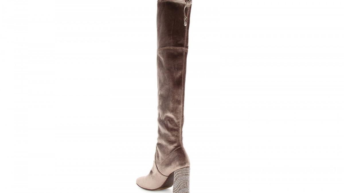 Las botas de terciopelo color taupe Adiva de Alma en Pena