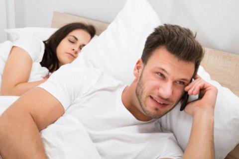Si tu pareja tiene alguna de estas apps, es muy posible que esté ocultando algo...
