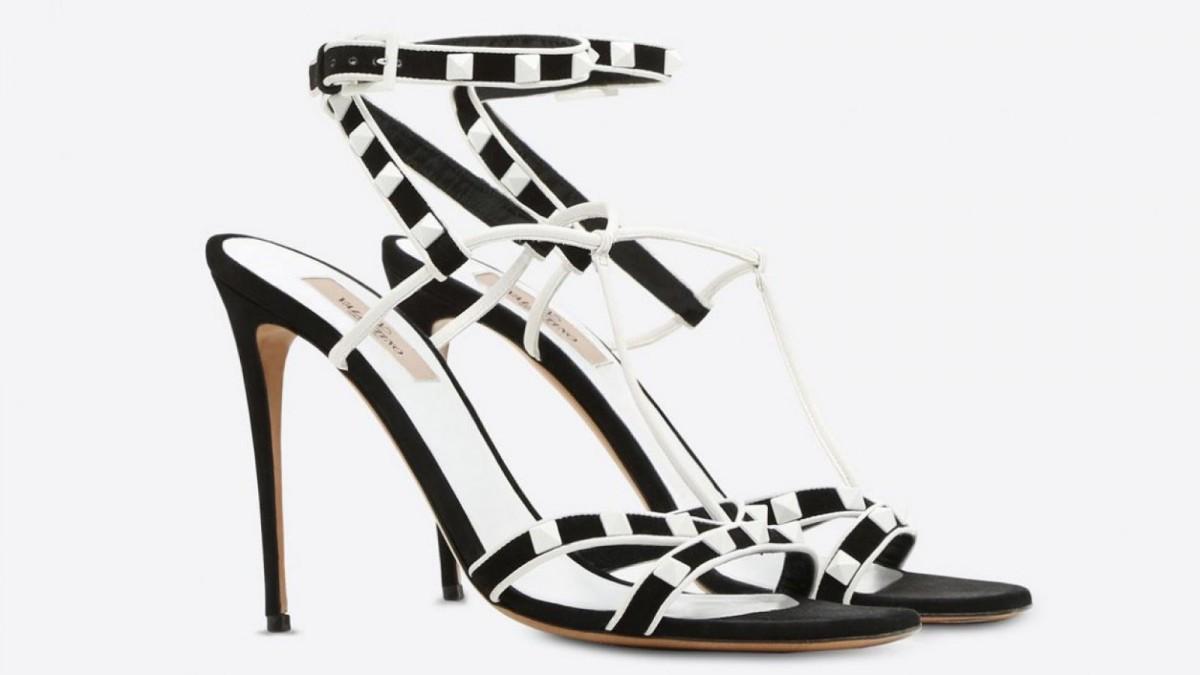 Las sandalias en blanco y negro Free Rockstud de Valentino