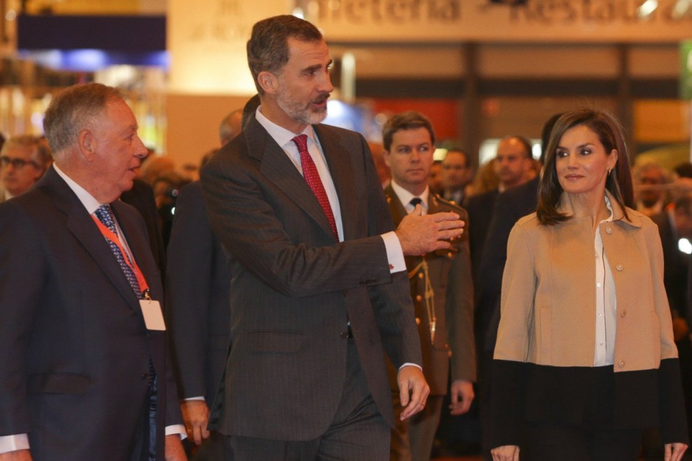 Los reyes durante su visita a la Feria Internacional de Turismo de Madrid