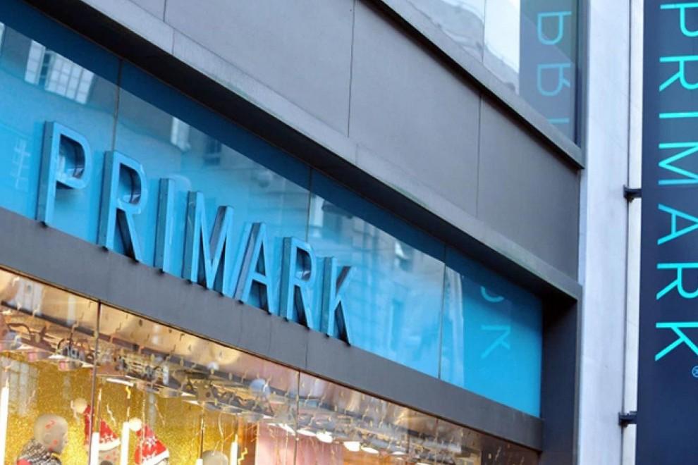 Primark se inspira en la riñonera más exitosa de Miu Miu para crear su nuevo diseño