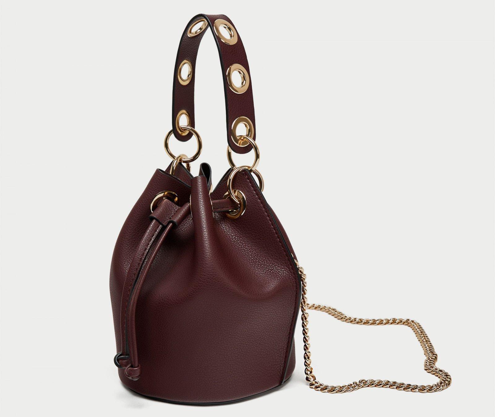 Mini bolso saco ollado de Zara, por 5,99 euros (antes 19,95)