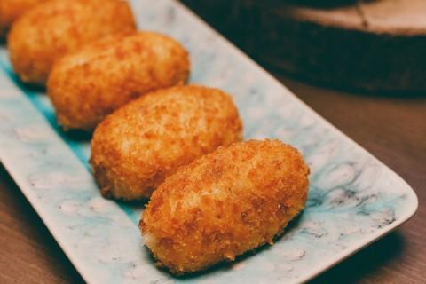 Estas son las perfectas croquetas de jamón según varios expertos.