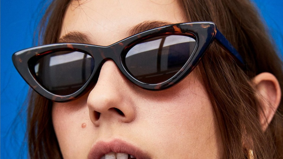 Gafas de sol 'cat eye' en color marrón de Zara, por 15,95 euros