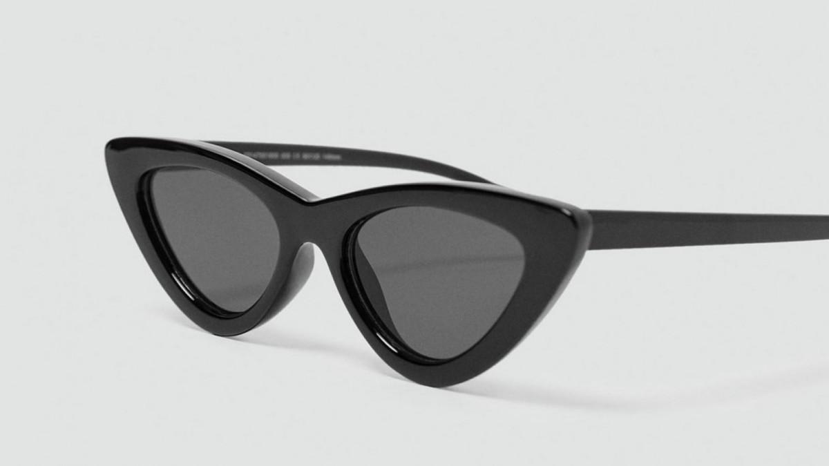 Gafas de sol 'cat eye' en color negro de Zara, por 15,95 euros