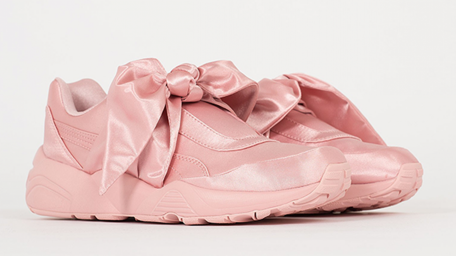 Las deportivas Fenty Puma by Rihanna Bow, en color rosa