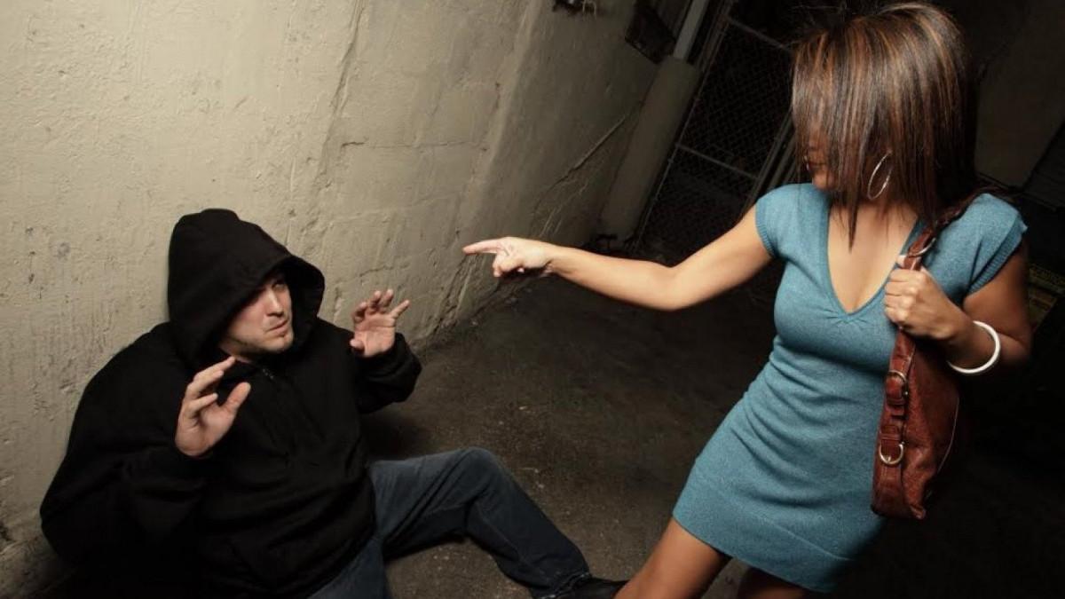 Técnicas de defensa personal para mujeres.