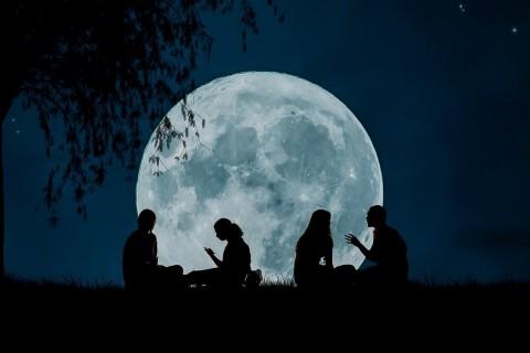 Estos mitos sobre la influencia de la luna en las mujeres existen hace miles de años.